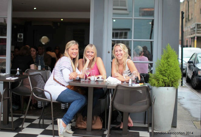 students_enjoy_London's_outdoor_bistros