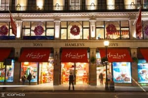 hamleys-xmas2011-store-front