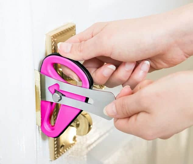 stay-safe-when-renting-in-london_Bob_fitzjohn_lock